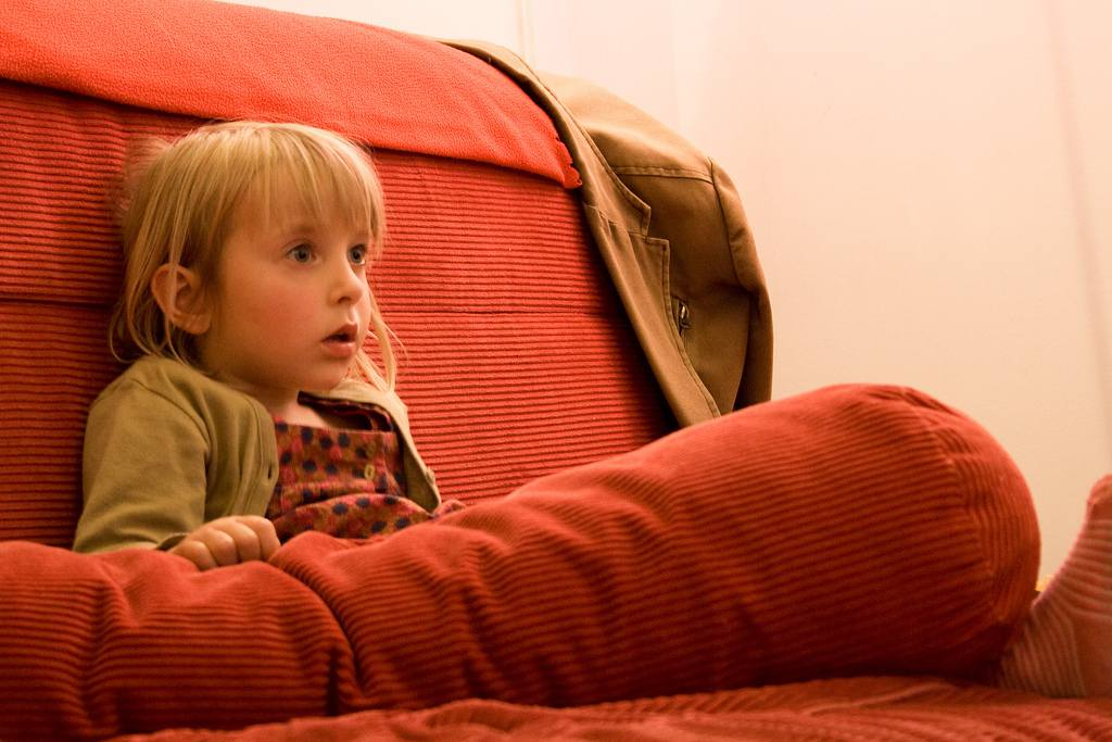 Best-Kids-Upholstered-Chairs-2017